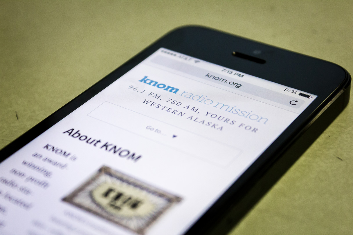 KNOM.org on an iPhone