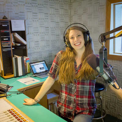 Tara hosts AK Country
