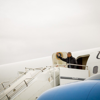 Obama exits Air Force One