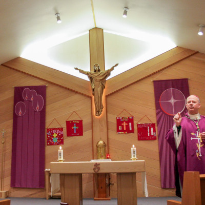Bishop Chad celebrates Mass in Nome, December 2015